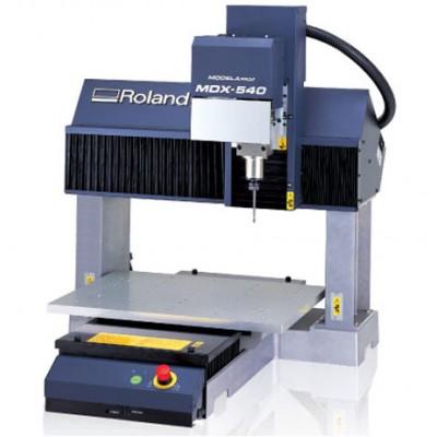 Roland MDX-540A Benchtop Milling Machine